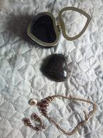 Отдается в дар Бижутерия(Серьги, колье)шкатулка
