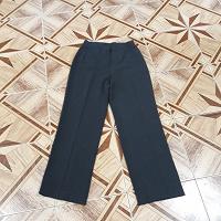 Отдается в дар женские брюки 46-48 р-р