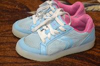 Отдается в дар Детские кроссовки 30 размер