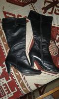 Отдается в дар Жіночі чоботи