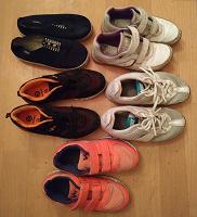 Отдается в дар Обувь детская спортивная