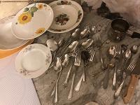 Отдается в дар Ложки, вилки, тарелки для дачи