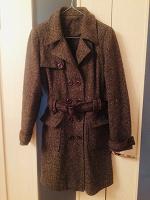 Отдается в дар Стильное пальто 44 размер