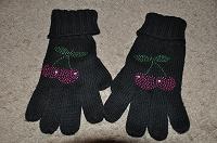 Отдается в дар Шапочка и перчатки