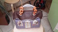 Отдается в дар женская сумочка домик кожзам новая