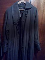 Отдается в дар Осеннее женское пальто
