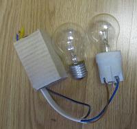 Отдается в дар 3 лампочки и патрон для лампочки