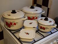 Отдается в дар Набор эмалированной посуды