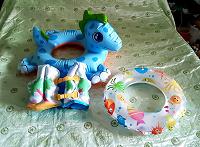Отдается в дар Надувные детские круги и жилет для плавания