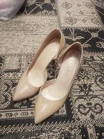 Отдается в дар Туфли ласковые 38 размер