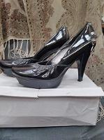 Отдается в дар туфли женские размер 36