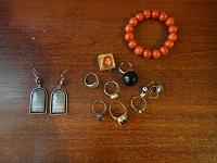 Отдается в дар Бижутерия (сережки, кольца, кулоны)