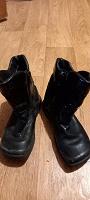 Отдается в дар Ботинки девочке 28 размер