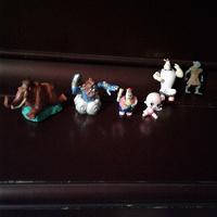 Отдается в дар дарю фигурки героев из мультиков
