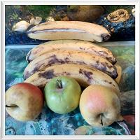 Отдается в дар Яблоки и бананы