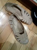Отдается в дар Женская обувь б-у