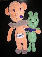 Отдается в дар Вязанные игрушки Мишка и зайчик