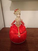 Отдается в дар Шкатулка-куколка