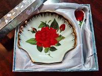 Отдается в дар Подарочные блюдечко и ложечка