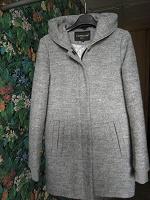 Отдается в дар Пальто осенне-зимнее, 42 размер