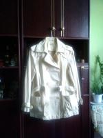 Отдается в дар Летняя куртка-ветровка. Размер L.