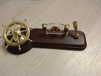 Отдается в дар Настольный набор деревянный, подставка