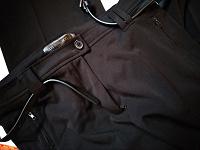 Отдается в дар Черные брюки со стрелками 48 размера