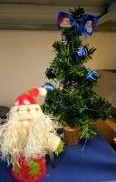 Отдается в дар Ёлка маленькая и Дед мороз