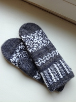 Отдается в дар Женские перчатки и варежки