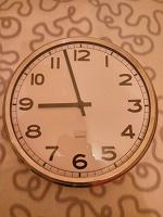 Отдается в дар Часы настенные. Не работают.