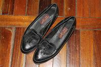 Отдается в дар Женские туфли 38 размера