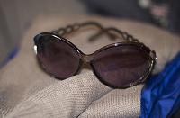 Отдается в дар Солнцезащитные женские очки