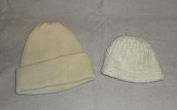 Отдается в дар Две шапки