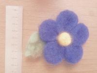 Отдается в дар Валяный цветочек-брошь