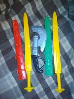Отдается в дар Игрушки меч и секира