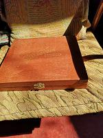 Отдается в дар Коробка советская от столовых приборов