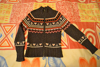 Отдается в дар Шерстяной свитер на молнии