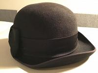 Отдается в дар Фетровая шляпка чёрная с бантом