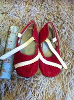 Отдается в дар Обувь для детей. в том числе и советских времен