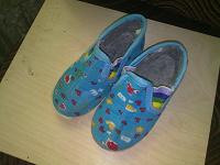 Отдается в дар обувь мальчикам.
