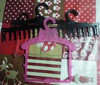 Отдается в дар Вешалки для детской одежды