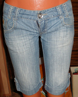 Отдается в дар Бриджи джинсовые р.34, женские