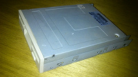 Отдается в дар Дисковод гибких дисков и дискеты.