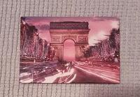 Отдается в дар Магнит из города Парижу