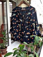 Отдается в дар синяя блузка с птичками 42-46