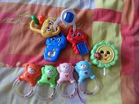 Отдается в дар Игрушки для малышей и части от мобиля