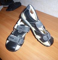 Отдается в дар Новые сандали