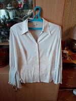 Отдается в дар Блуза светлая.