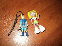 Отдается в дар игрушки из киндера