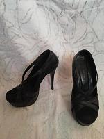 Отдается в дар Женские туфли 35 размера Tucino
